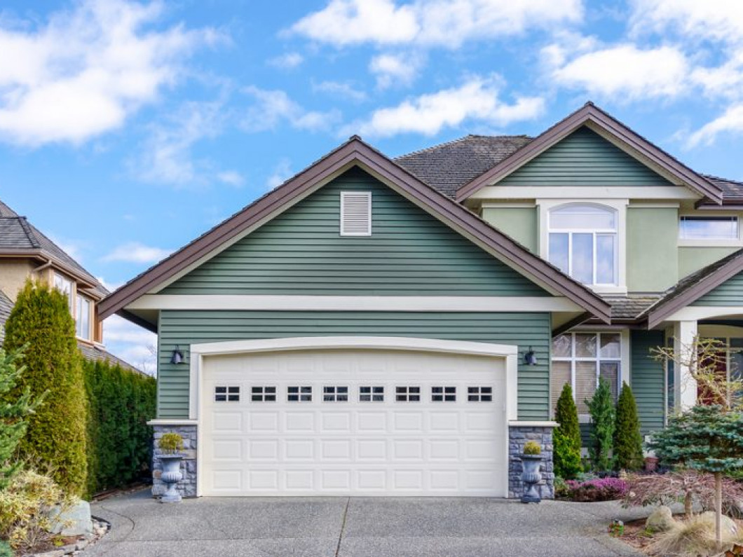 Choose a custom garage door that fits your style